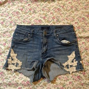 STS blue embroidered high waisted shorts size 5